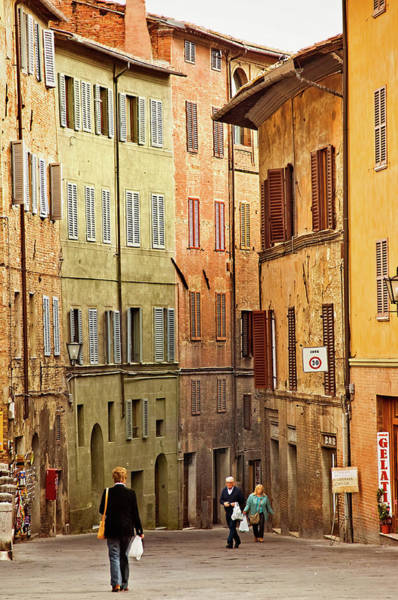 Photograph - Siena Shoppers by Jill Love