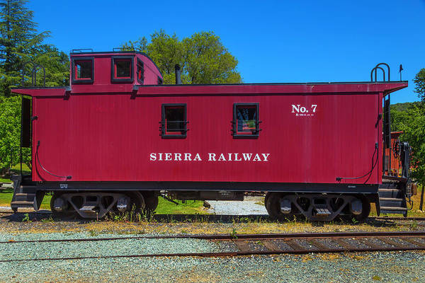 Red Caboose Photograph - Sierra Railway Red Caboose No 7 by Garry Gay
