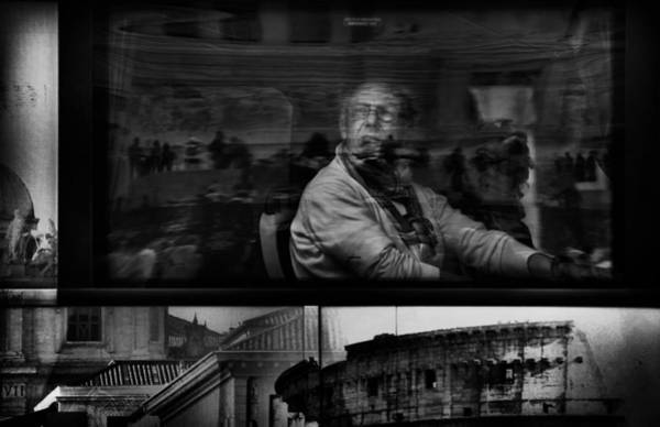 Person Wall Art - Photograph - Sightseeing In The Eternal City by Antonio Grambone