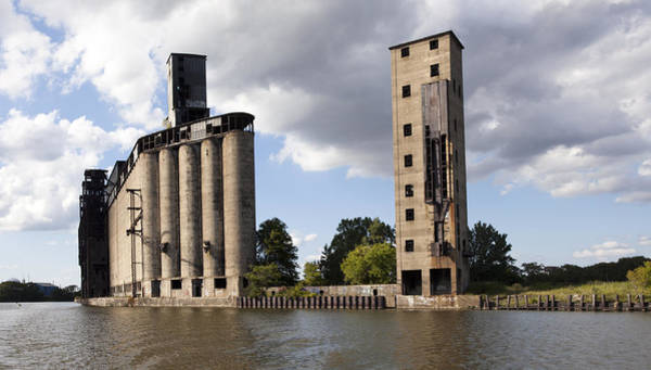 Grain Elevator Photograph - Silo City 9 by Peter Chilelli