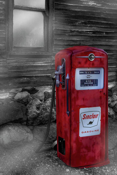 Wall Art - Photograph - Sinclair Gas Pump Sc by Susan Candelario