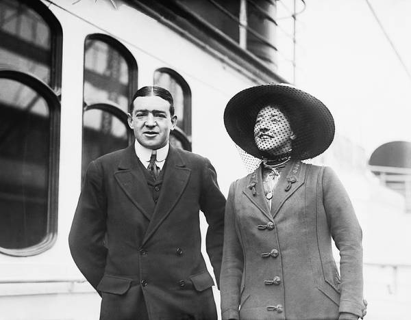 Wall Art - Photograph - Sir Ernest Shackleton And Wife by Underwood Archives