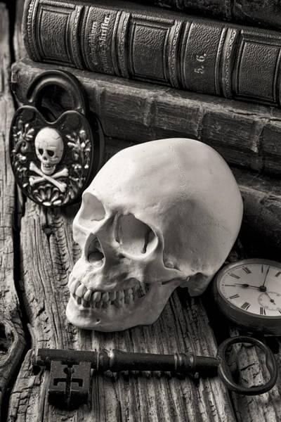 Skeleton Key Photograph - Skull And Skeleton Key by Garry Gay