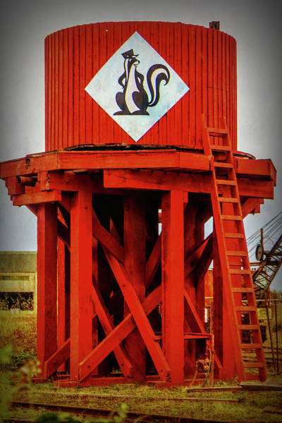 Skunk Photograph - Skunk Train Water Tower by Garry Gay