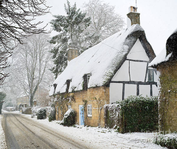English Cottage Photograph - Snowfall In Broadway by Tim Gainey