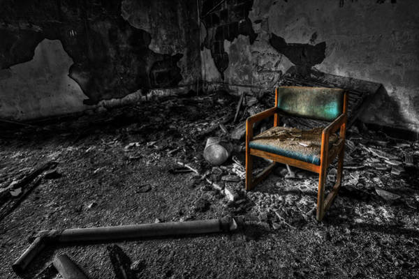 Trash Photograph - Sole Survivor by Evelina Kremsdorf