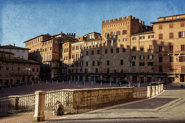 Photograph - Solitude In Il Campo Siena Italy by Joan Carroll