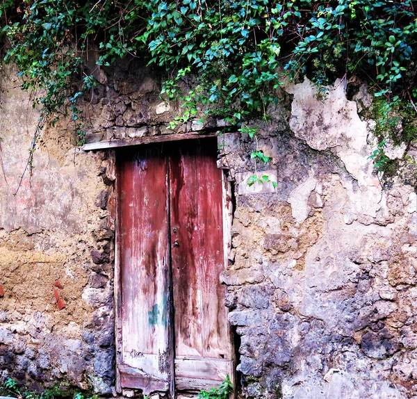 Photograph - Sorrento Secret by Laurie Morgan
