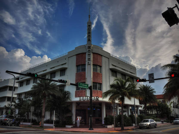 Photograph - South Beach - Tudor Hotel 001 by Lance Vaughn