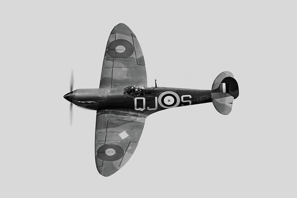 Photograph - Spitfire Mk 1 R6596 Qj-s Bw Version by Gary Eason