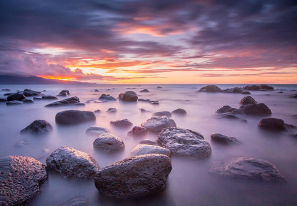 Maui Sunset Photograph - Sprecks Sunset by Drew Sulock