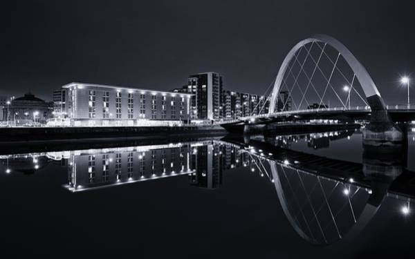 Squinty Bridge Glasgow Art Print