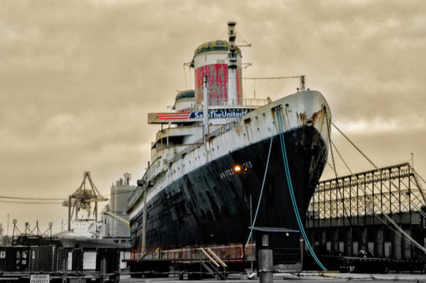 Wall Art - Photograph - Ss United States - A Piece Of History by Bill Cannon