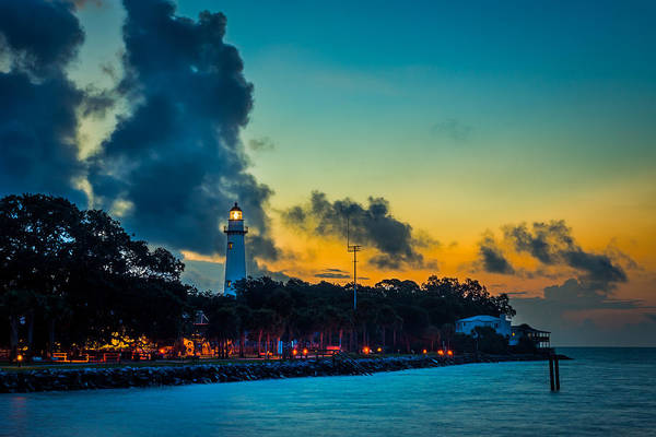 Photograph - St. Simons Light by Chris Bordeleau