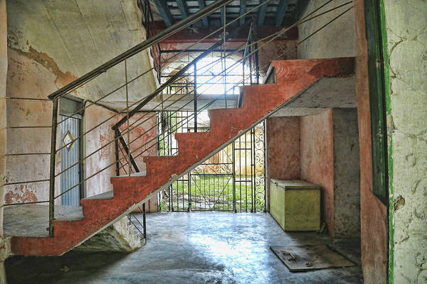Photograph - Stairway To Havana by Mary Buck