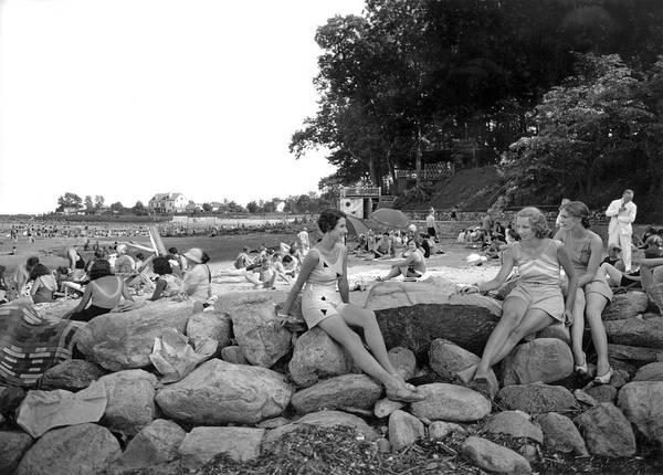 Stamford Photograph - Stamford Shorewood Beach Club by Underwood & Underwood