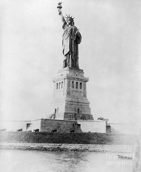 Photograph - Statue Of Liberty, 1890 by Granger
