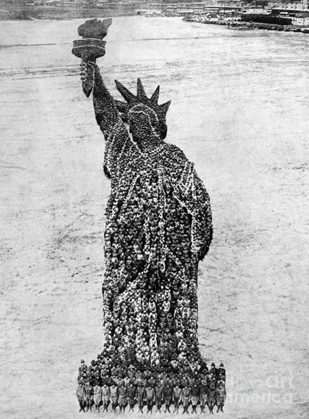 Photograph - Statue Of Liberty, 1918 by Granger