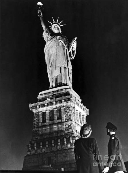 Wall Art - Photograph - Statue Of Liberty On V E Day by American School