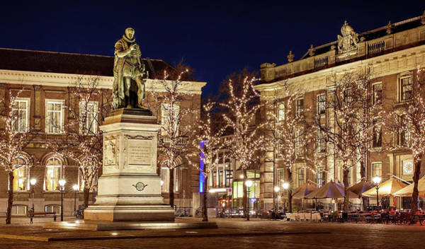 Photograph - Statue Of William Of Orange - The Hague by Barry O Carroll