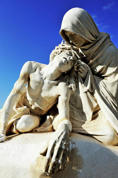 Wall Art - Photograph - Statues Of Jesus Christ  And Veronica by Sami Sarkis
