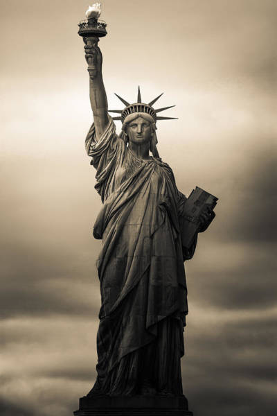 Statue Wall Art - Photograph - Statute Of Liberty by Tony Castillo