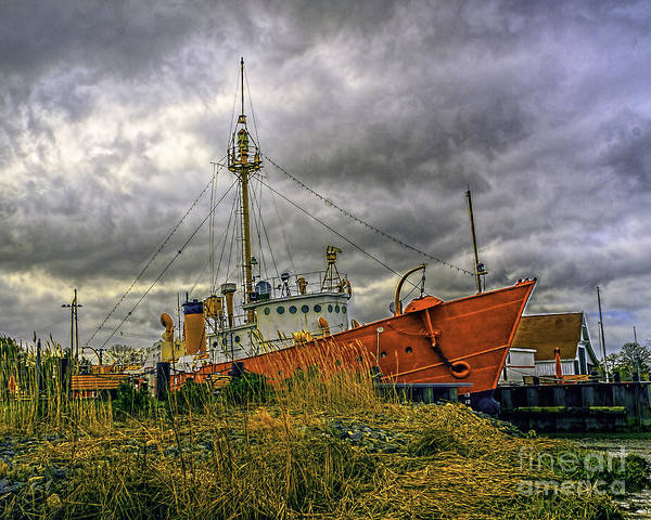 Photograph - Storm Brewing At The Lightship by Nick Zelinsky