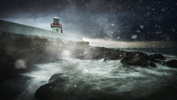 Spray Wall Art - Photograph - Storm Coming by Marcin Krakowski