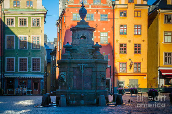 Town Square Wall Art - Photograph - Stortorget Fountain by Inge Johnsson