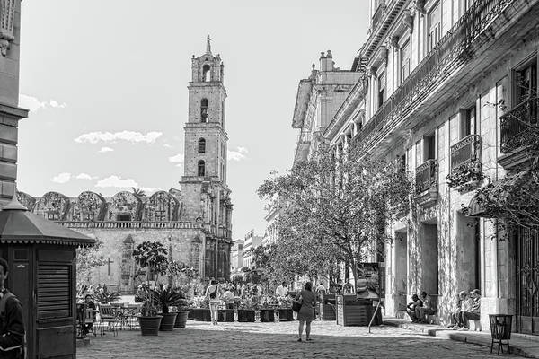 Photograph - Street Scene In Old Havana by Sharon Popek