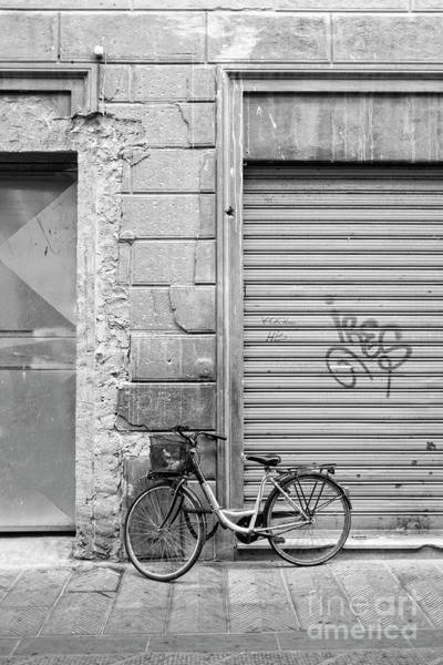 Photograph - Streets Of Florence Italy by Edward Fielding