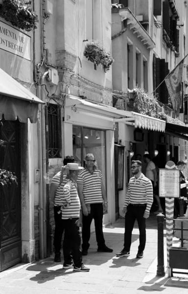 Photograph - Streets Of Venice 8b by Andrew Fare