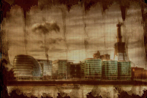 River Thames Digital Art - Stroked And Pixelated London Docks by Andrea Barbieri