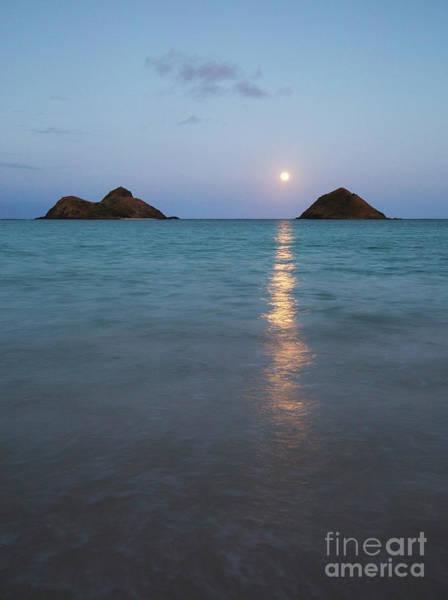 Photograph - Stunning Hawaii Moonrise by Charmian Vistaunet