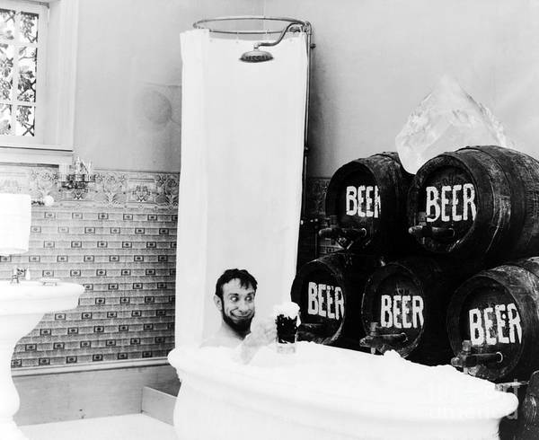 Photograph - Suds With My Suds 1916 by Science Source
