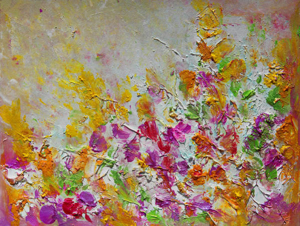 Painting - Summer Fragrance Abstract Painting by Julia Apostolova