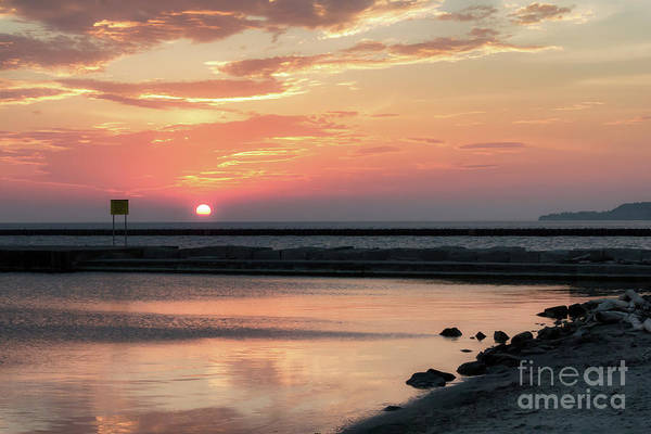 Photograph - Summer Sunrise On Lake Ontario by Rod Best