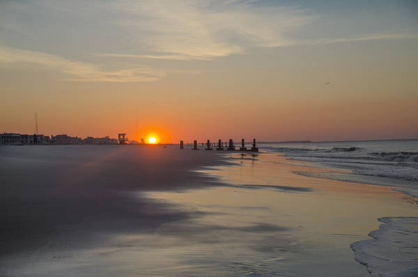 Jetti Wall Art - Photograph - Summers At Cape May - Sunrise by Bill Cannon