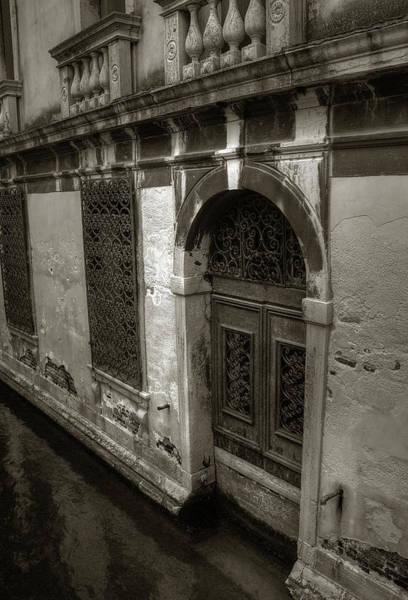 Photograph - Sunken Doorway by Michael Kirk