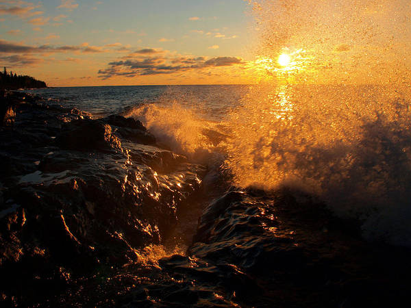 Photograph - Sunlit Spray by James Peterson