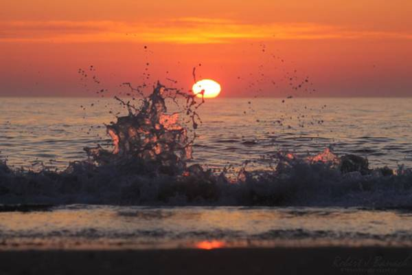 Photograph - Sunrise And Splashes by Robert Banach