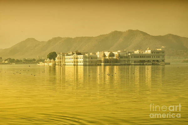 Photograph - Sunrise At Pichola Lake Palace by Yew Kwang