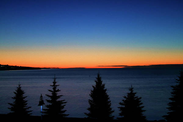 Photograph - Sunrise On Lake Superior At Duluth by Bonnie Follett