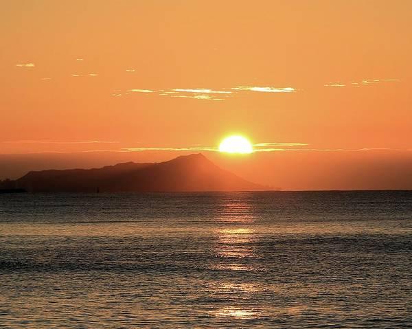 Photograph - Sunrise Over Diamond Head by M C Hood