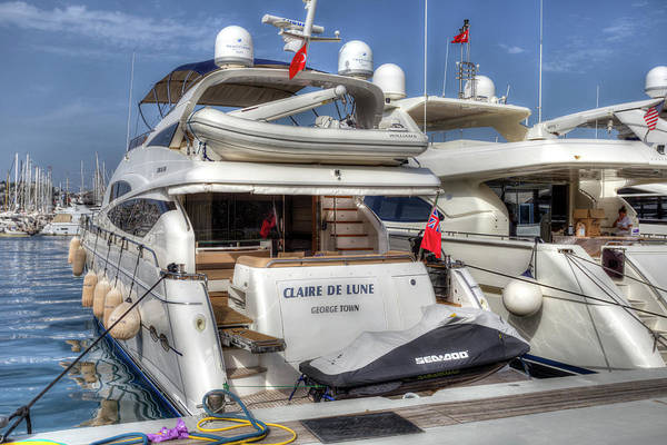 Wall Art - Photograph - Sunseeker 78 Yacht by David Pyatt