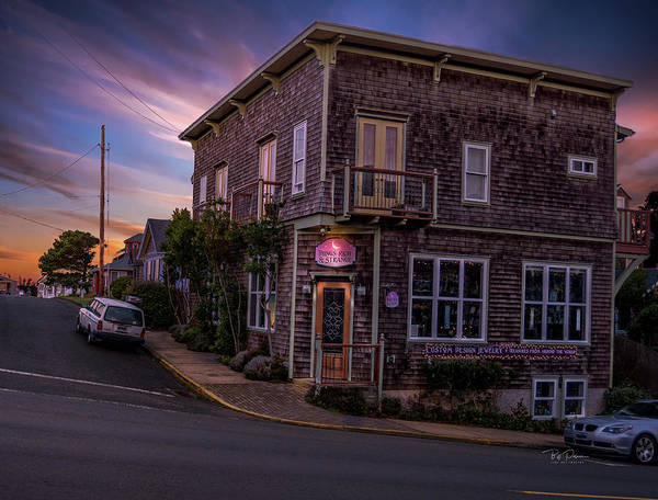 Photograph - Sunset Building by Bill Posner
