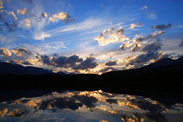 Photograph - Sunset Over Annette Lake by Larry Ricker