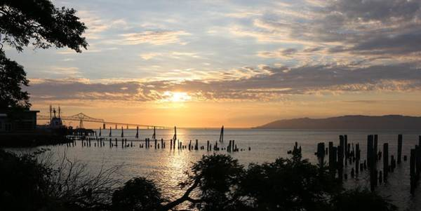 Photograph - Sunset Over The Columbia River  by Christy Pooschke