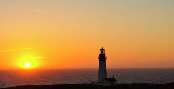 Photograph - Sunset Yaquina Head Lighthouse 10103 by Jerry Sodorff
