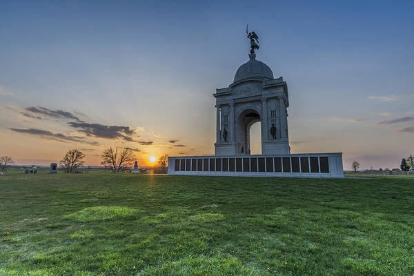 Wall Art - Photograph - Sunsetting On The Pennsylvania Monument by Dave Sandt